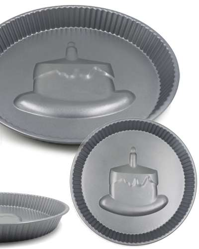 cake mould shaped cake